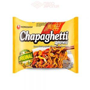 Chapaghetti makaronai su juodų pupelių padažu